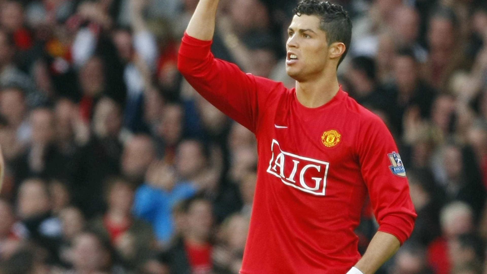 Manchester United não esquece Ronaldo... nem os seus hat-trick's