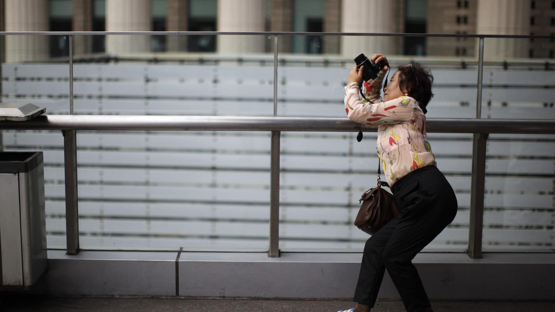Turistas chineses foram os que mais gastaram em compras em 2015