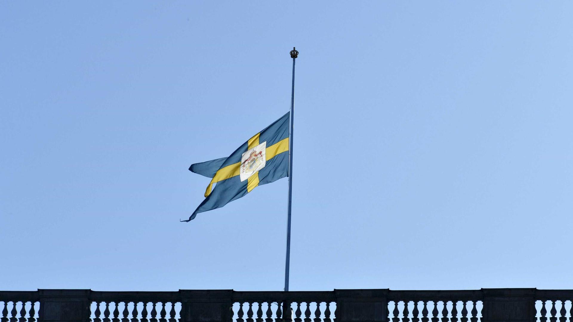 Suécia prolonga controlos de fronteiras devido à ameaça terrorista