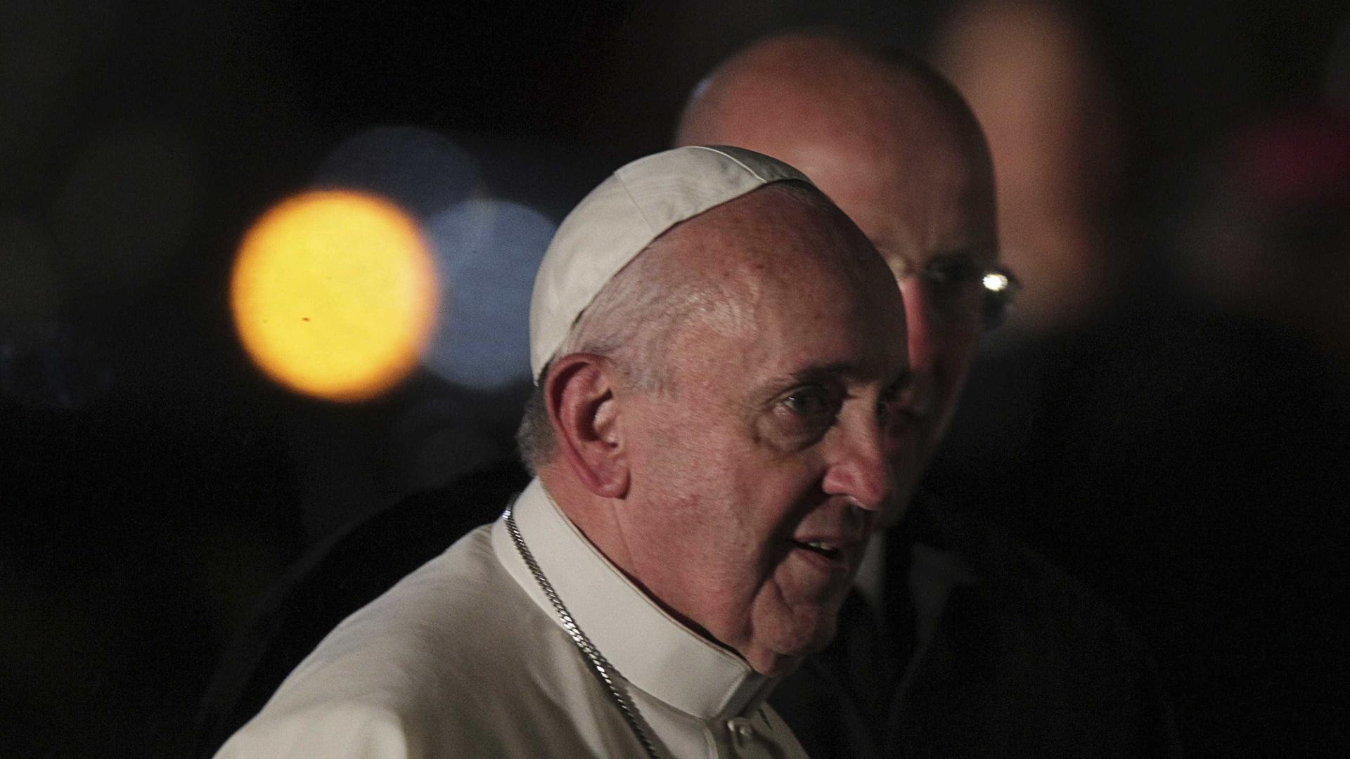 Papa Francisco pede às sociedades que ajudem os mais pobres