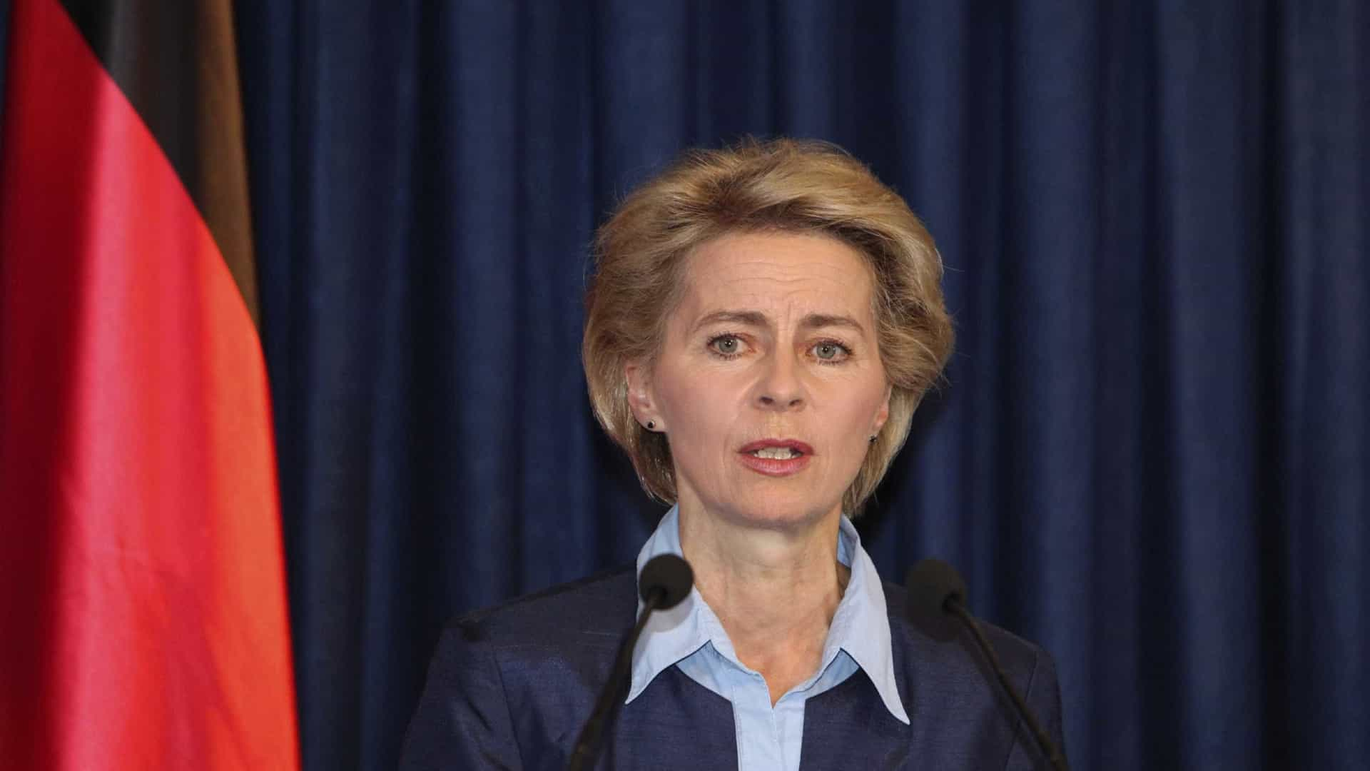Ursula von der Leyen defende solidariedade na UE e resgates no mar