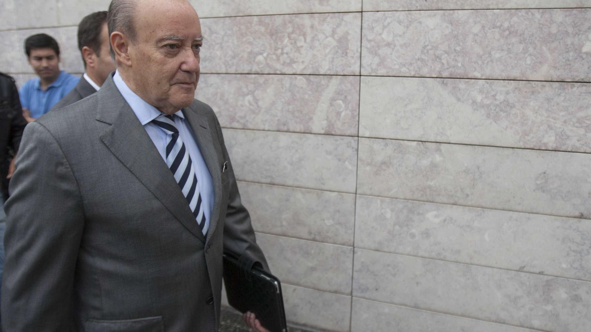 Pinto da Costa e Luís Gonçalves pressionaram Manuel Mota ao intervalo
