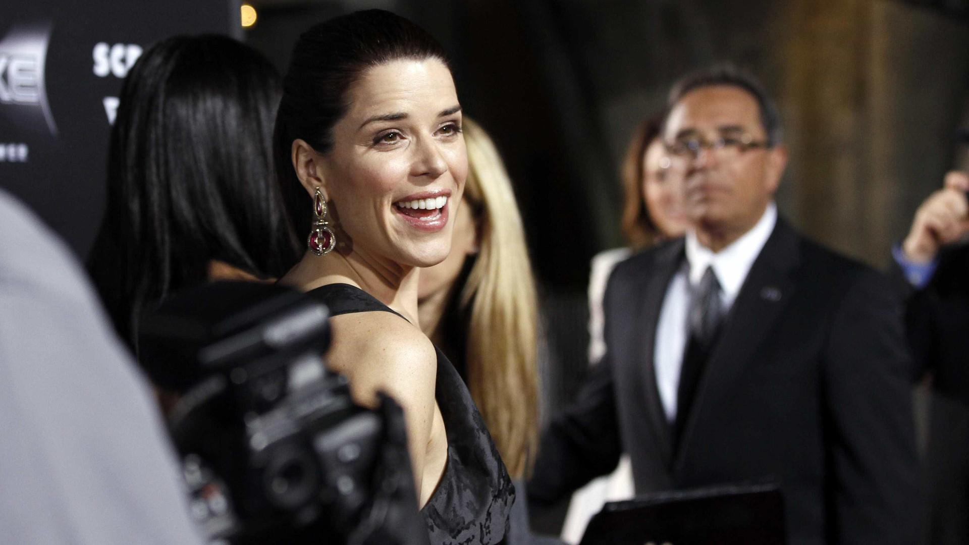 Atriz Neve Campbell explica o que a levou a deixar Hollywood