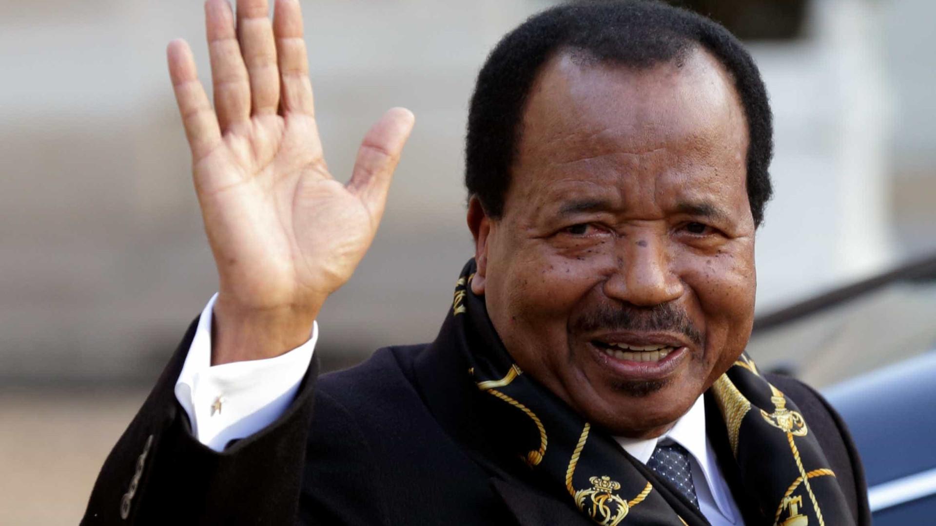 Presidente da República dos Camarões anuncia recandidatura no Twitter