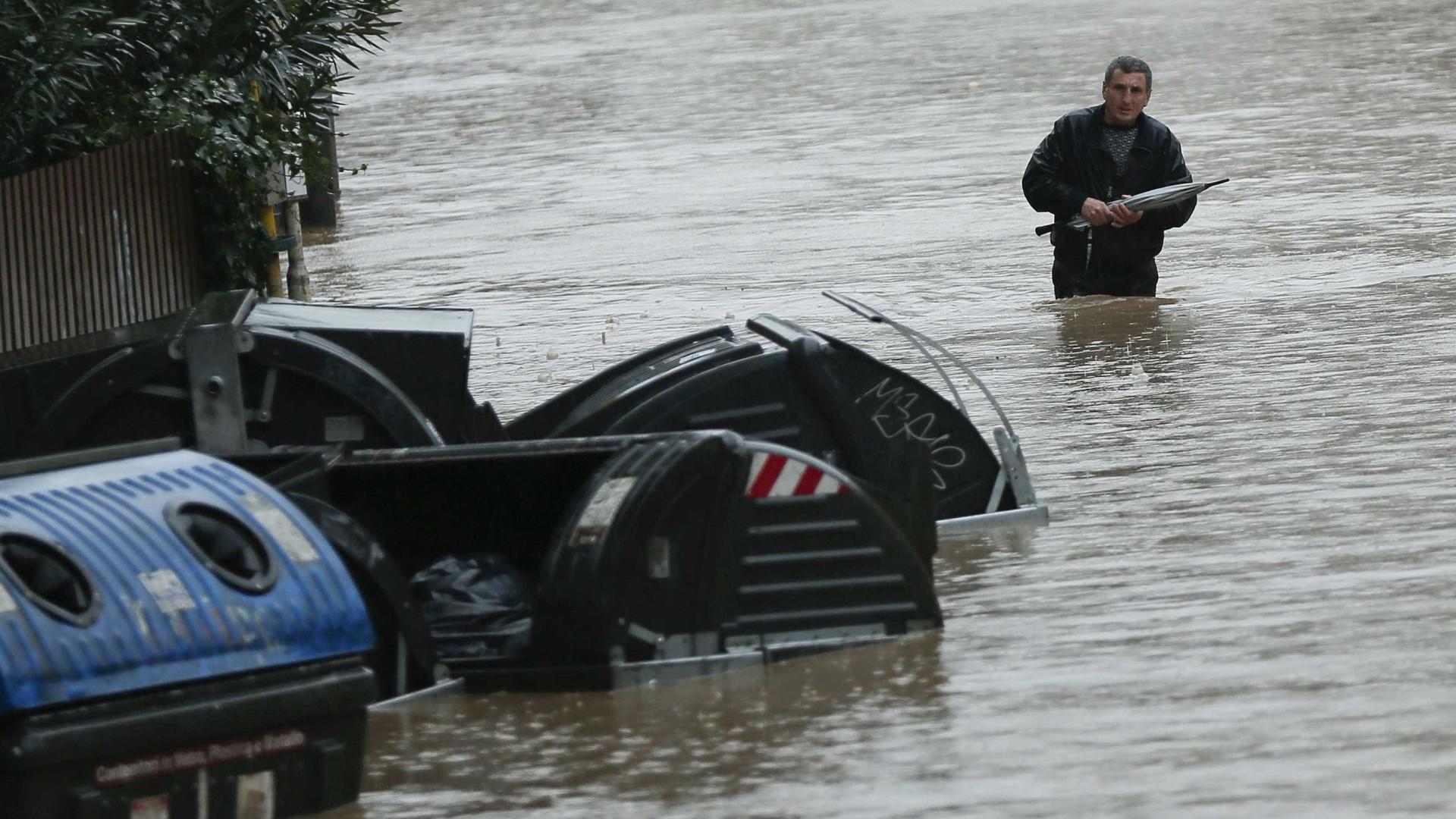 Inundações repentinas na Jordânia matam sete pessoas
