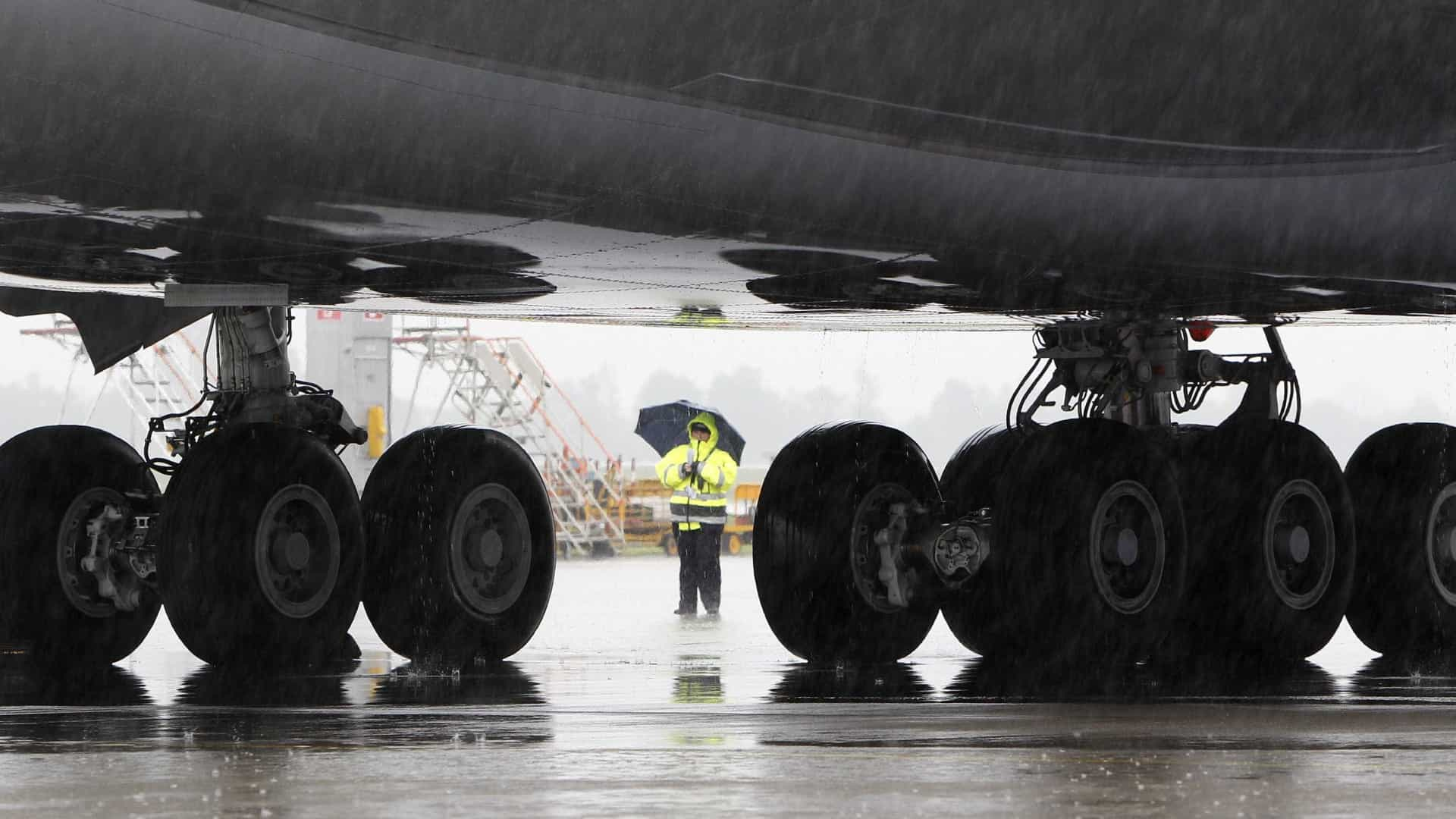 Aeroporto Dili : Notícias ao minuto voo singapura dili partiu de makassar após