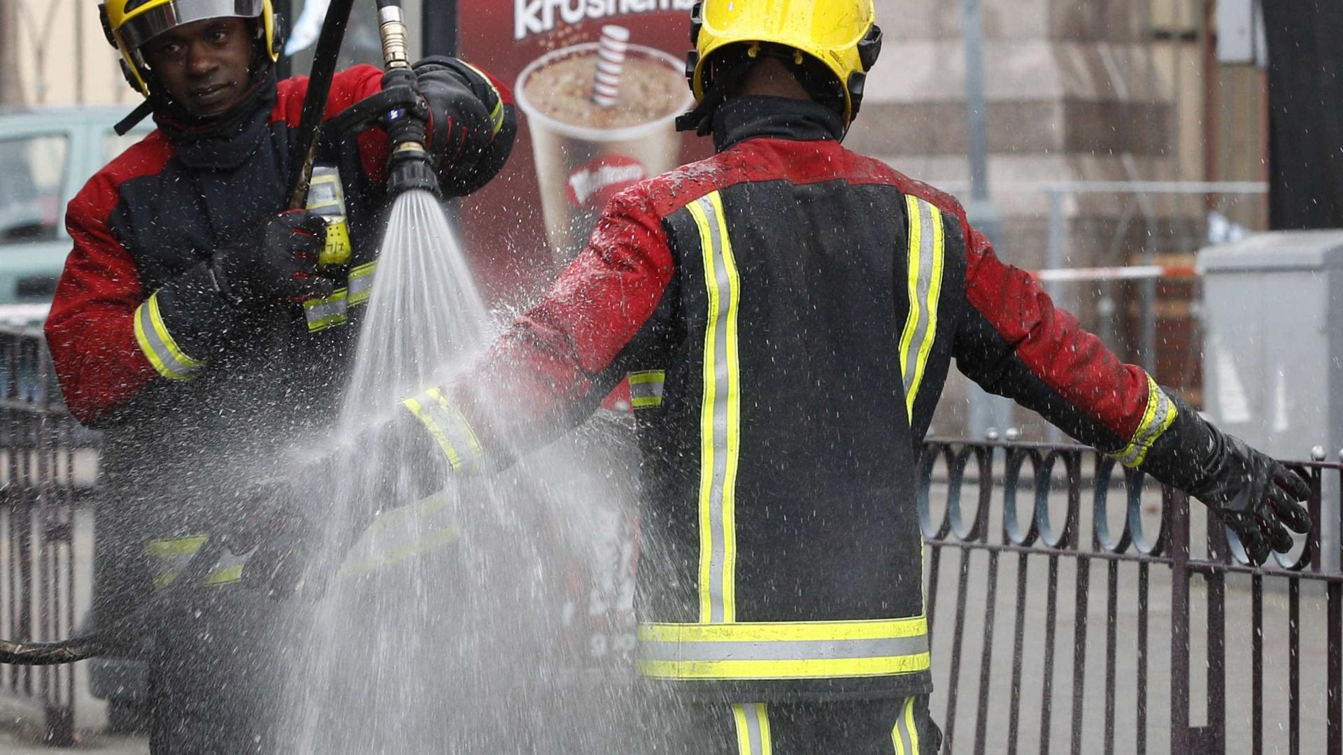 Quatro pessoas em estado crítico na sequência de explosão em Leicester