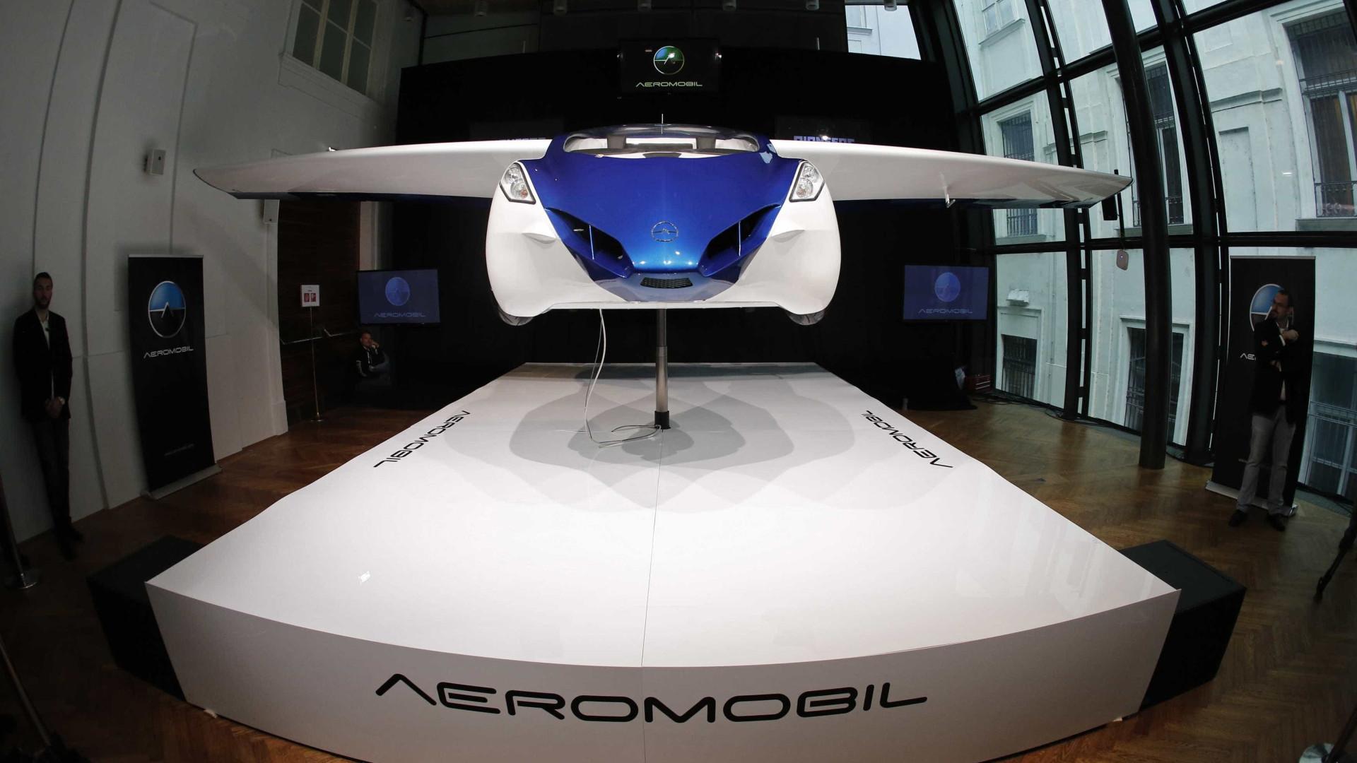 Primeiro carro voador começa a ser vendido em outubro