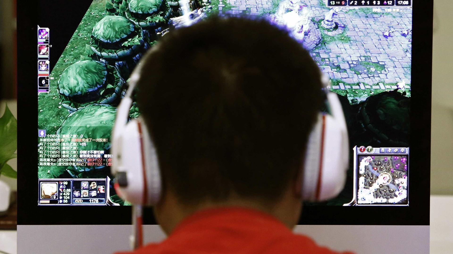 Dependência da internet afeta três em quatro jovens