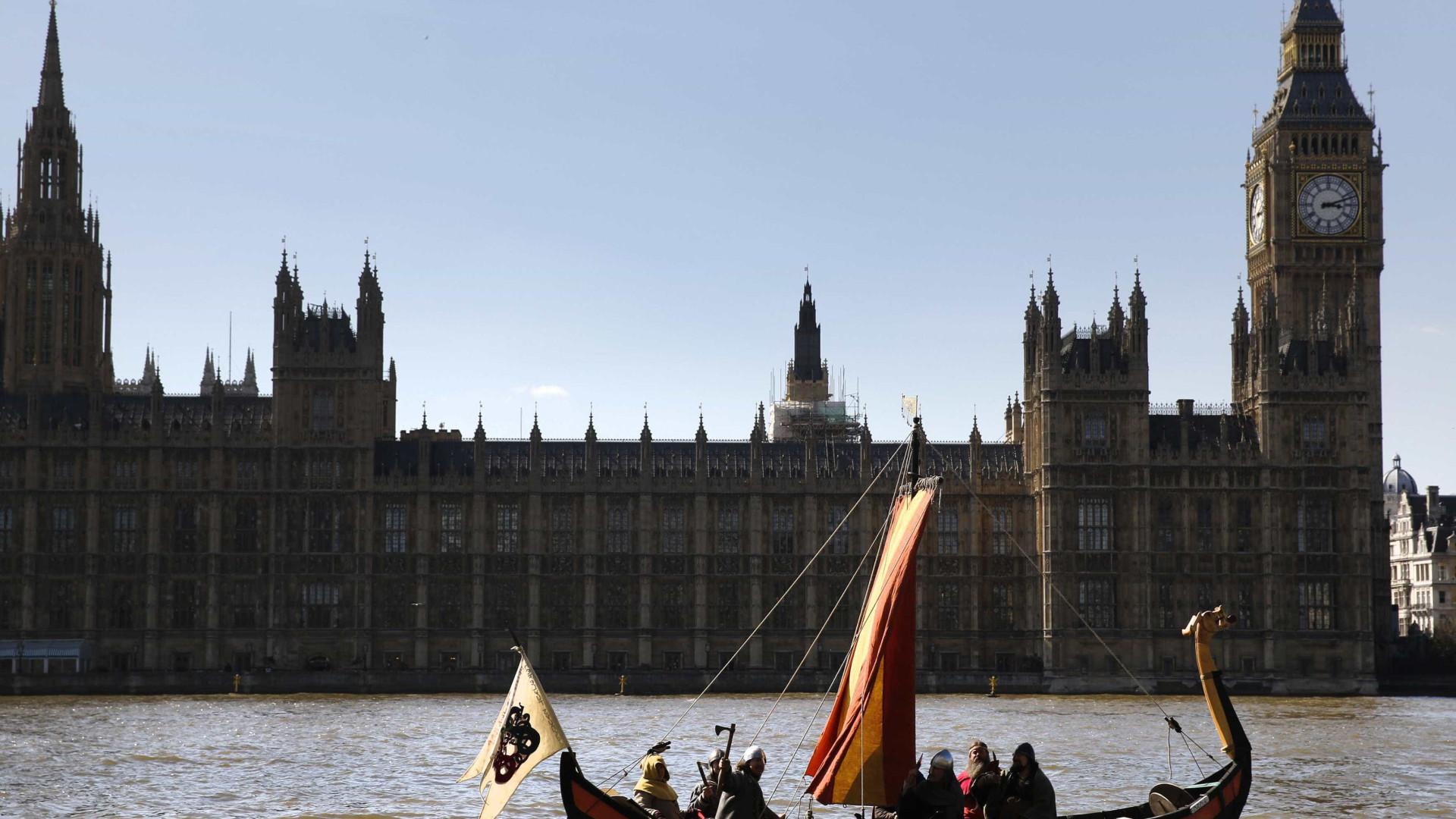 Bar no Parlamento britânico encerrado após rixa entre dois homens