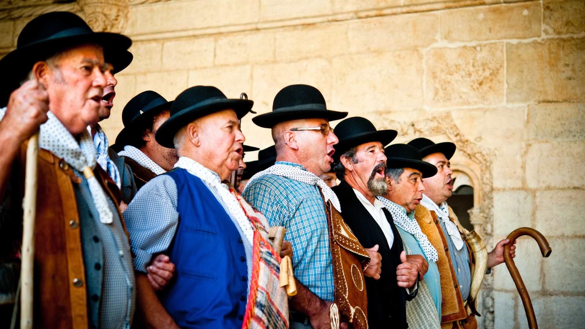 """Cante, chocalhos e dança de """"mãos dadas"""" em festival no Alentejo"""