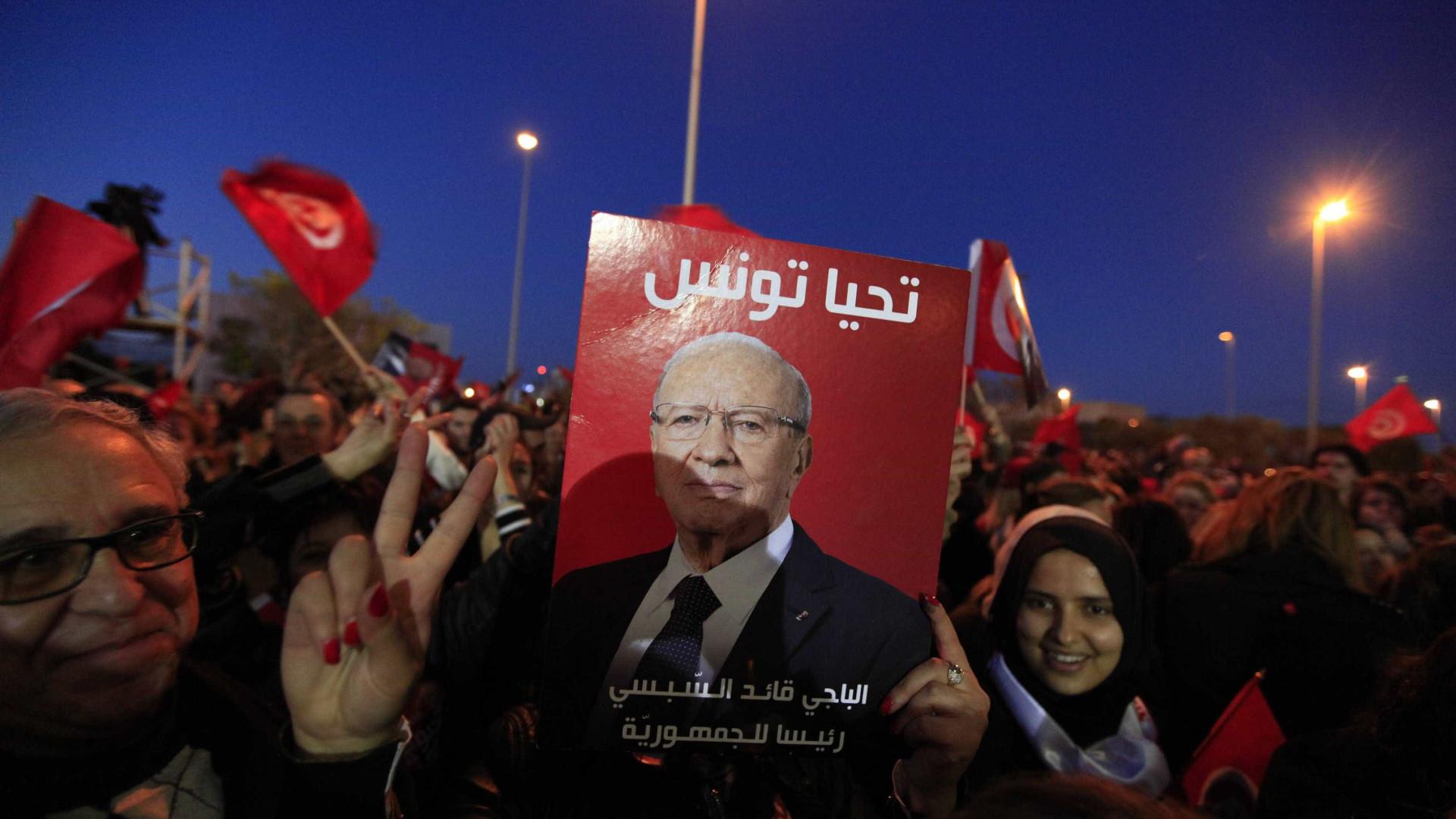 Tunísia aprova lei que amnistia pessoas envolvidas em casos de corrupção