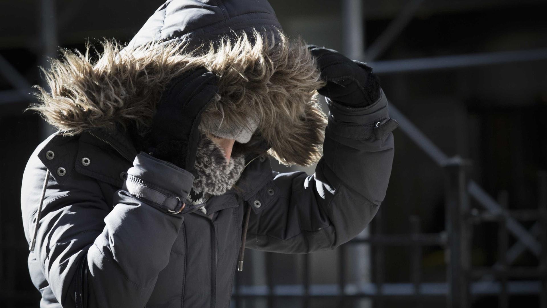 Temperaturas baixas e vento forte levam Proteção Civil a emitir a aviso