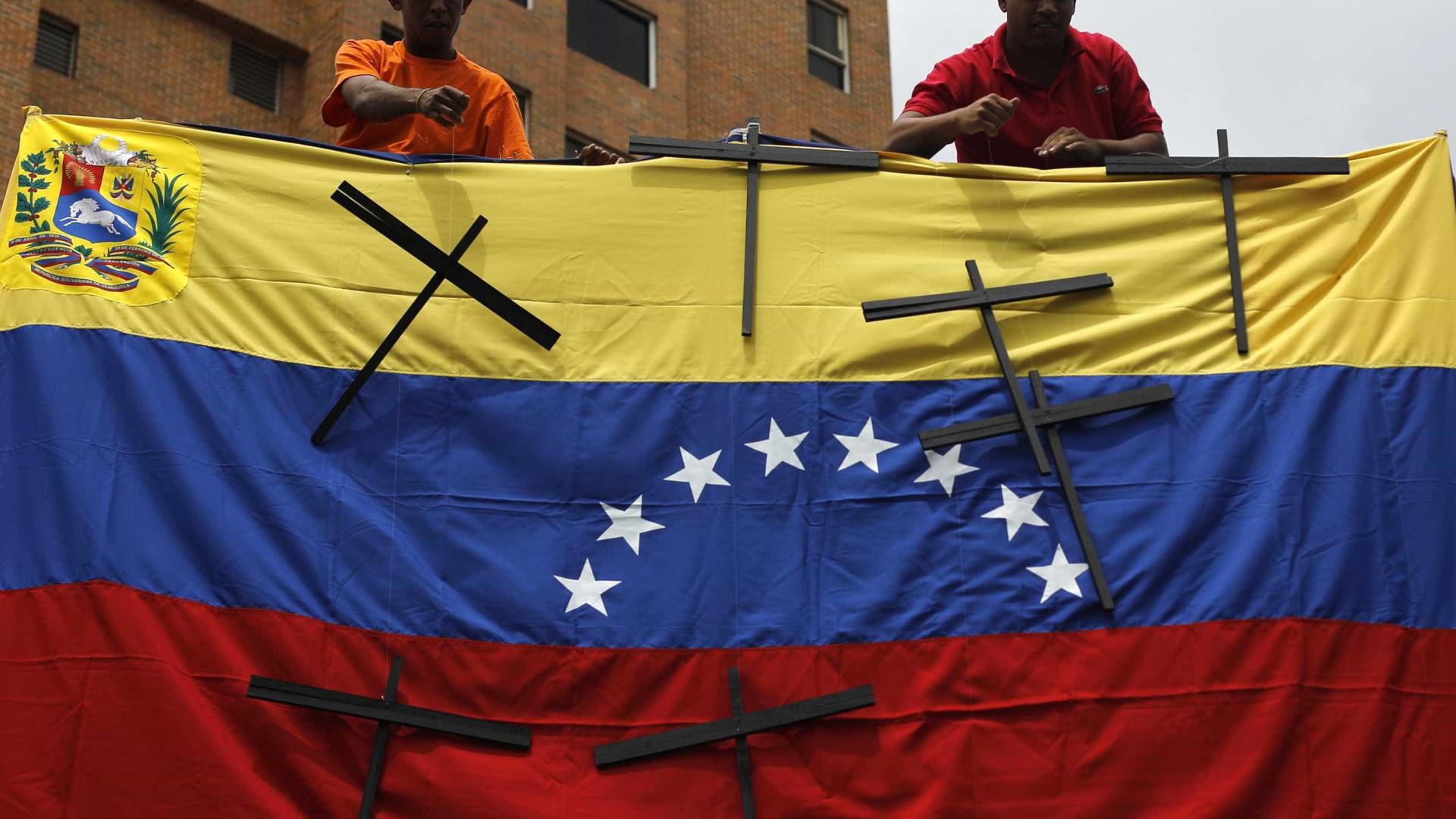 Sobe para quatro o número de mortos durante protestos na Venezuela