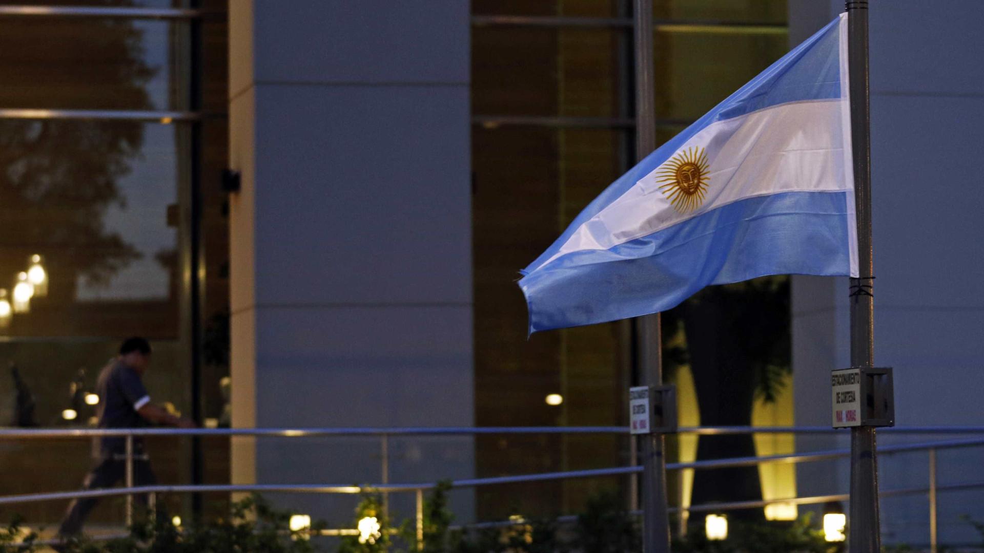 Sobe para três número de mortos em naufrágio de pesqueiro na Argentina
