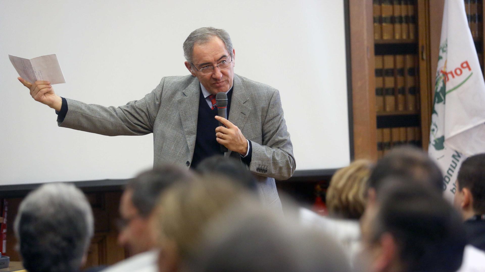 """Deputado do PSD considera """"criminoso"""" desvalorizar """"gravíssima situação"""""""