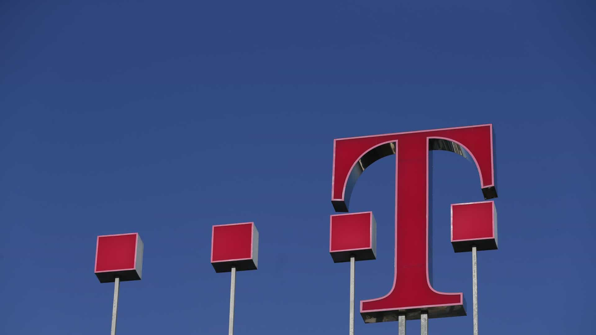 Lucro da Deutsche Telekom recua 56,7% no 1.º semestre