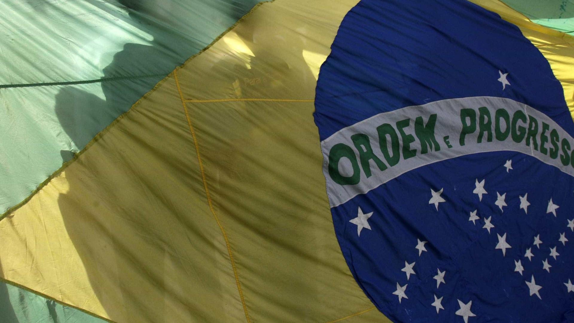 Brasil promete ajudar familiares de vítimas de acidente aéreo