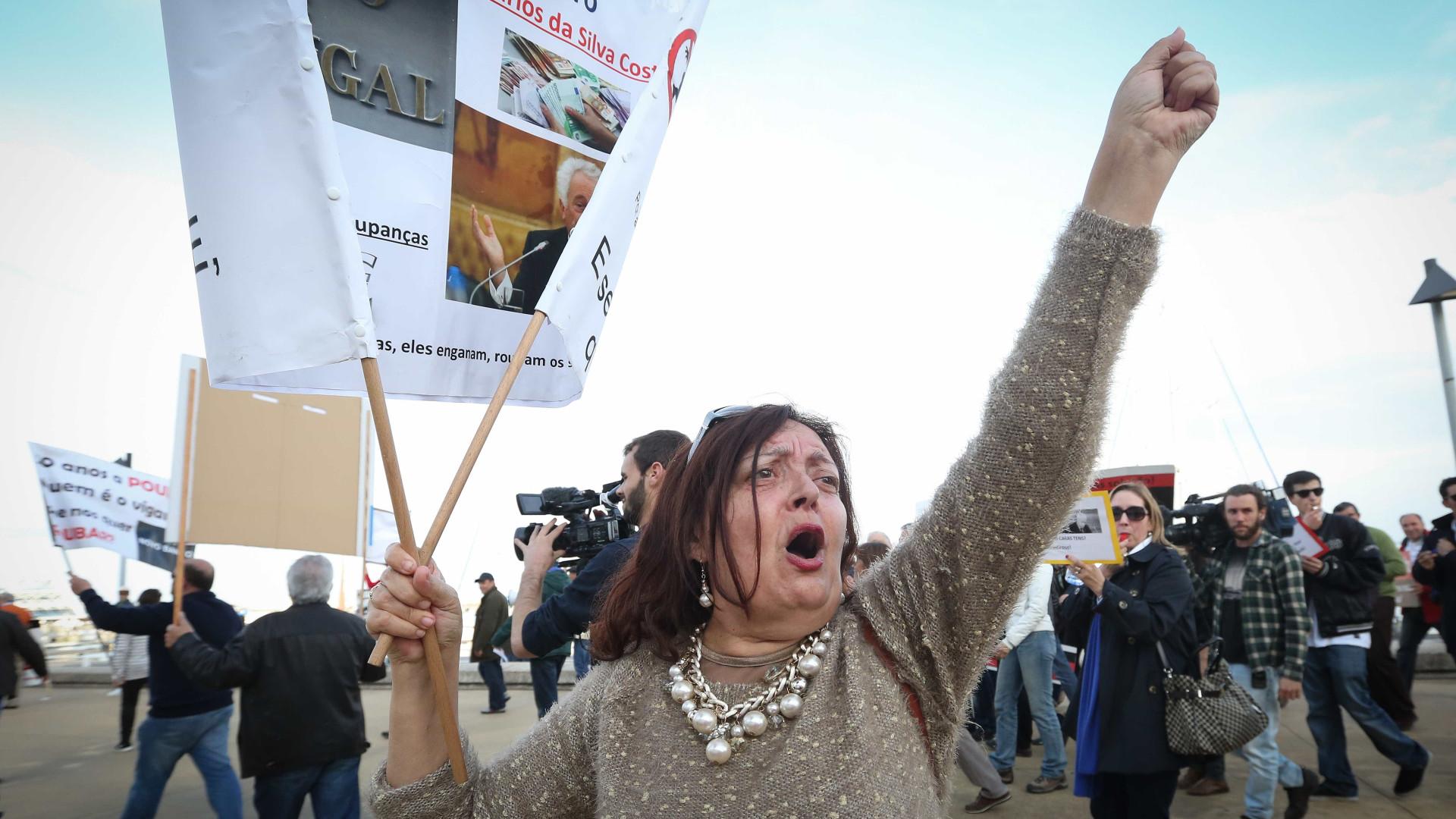 Lesados em protesto em Espinho para reaver verbas investidas no BES