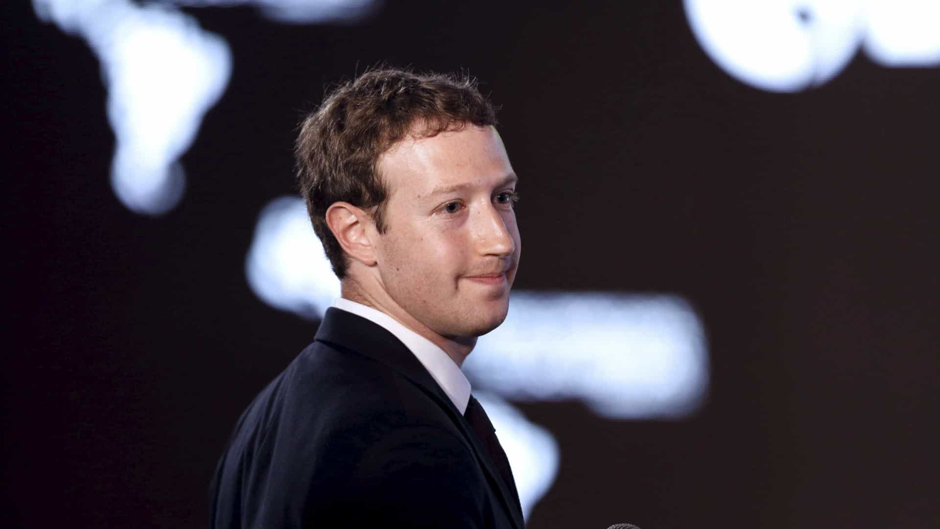 """Onde está Zuckerberg? """"A trabalhar a todo o vapor"""", diz o Facebook"""