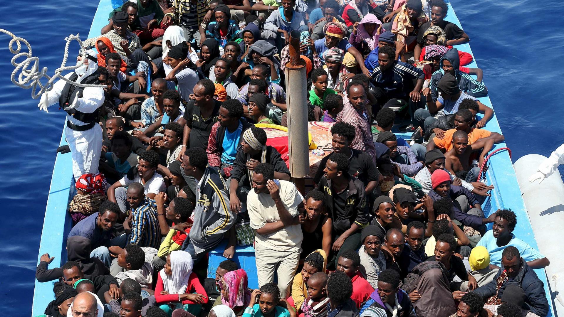 Resgatados 180 migrantes de várias embarcações no sul de Espanha