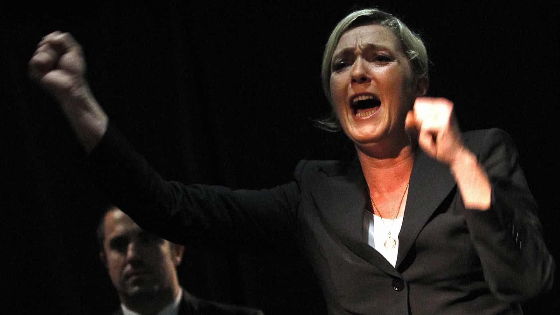 Marine Le Pen eleita deputada pela primeira vez