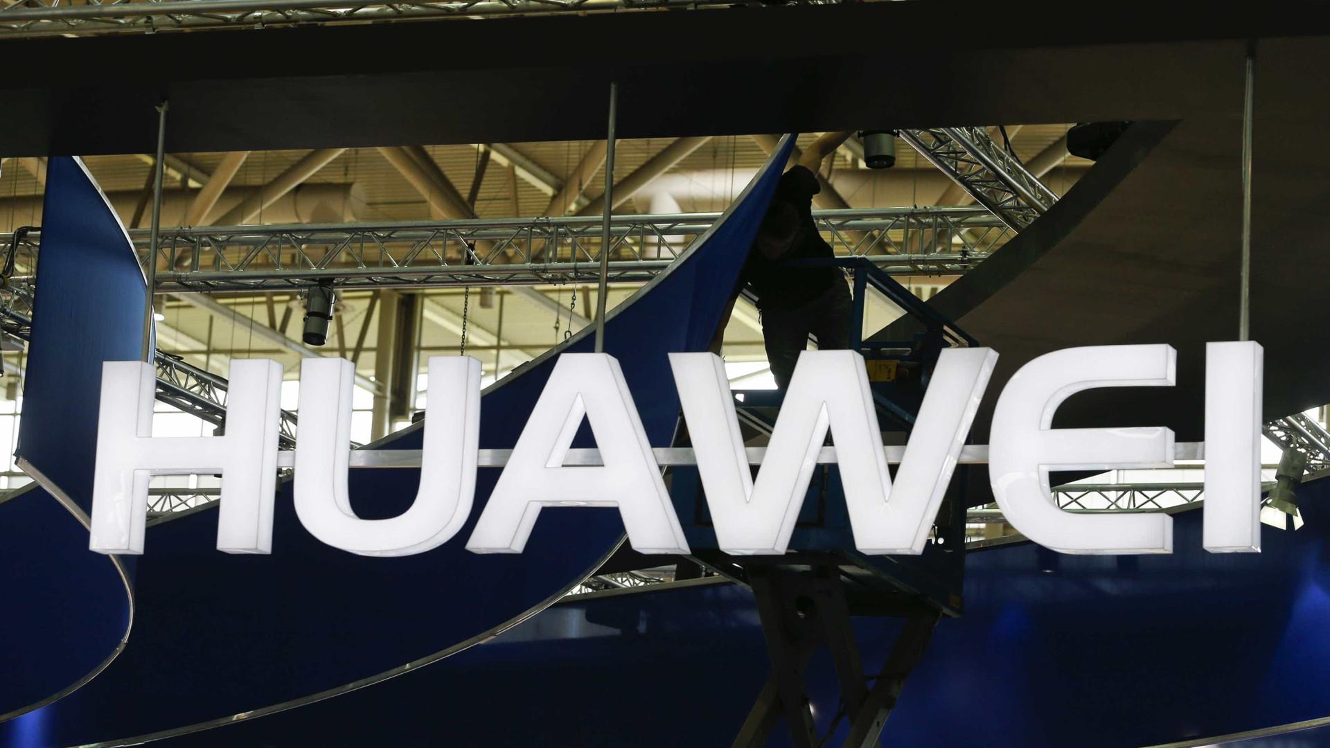 Huawei contesta declarações de Ansip sobre riscos do grupo chinês