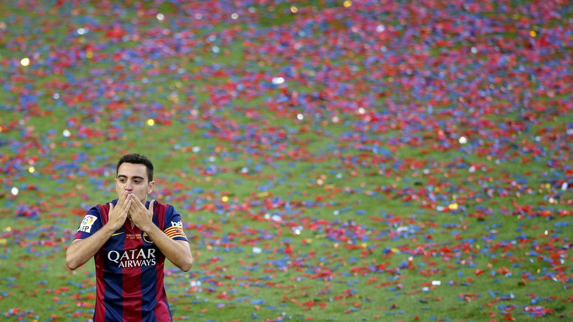 Xavi 'torce o nariz' a Mbappé e deixa sugestão de reforço ao Barcelona