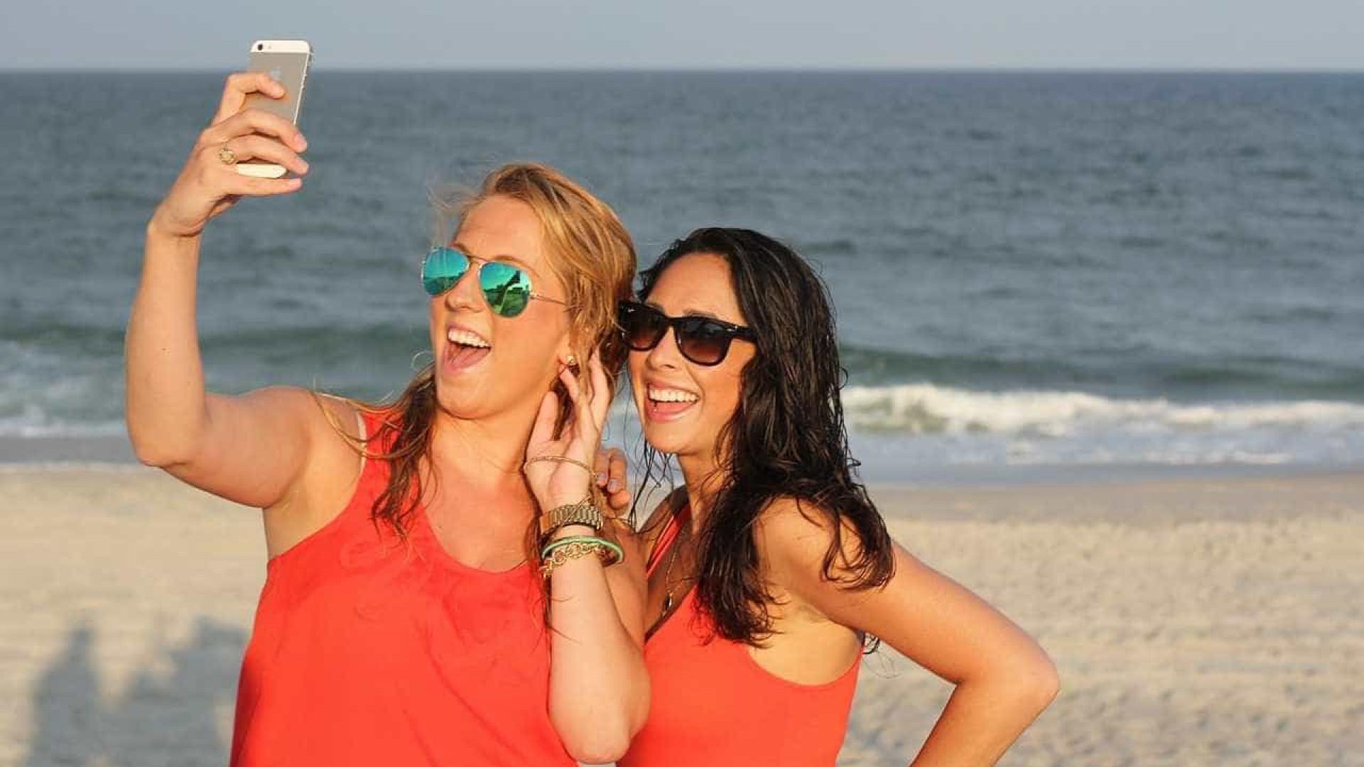 """Viciados em selfies sofrem de """"problemas mentais"""""""