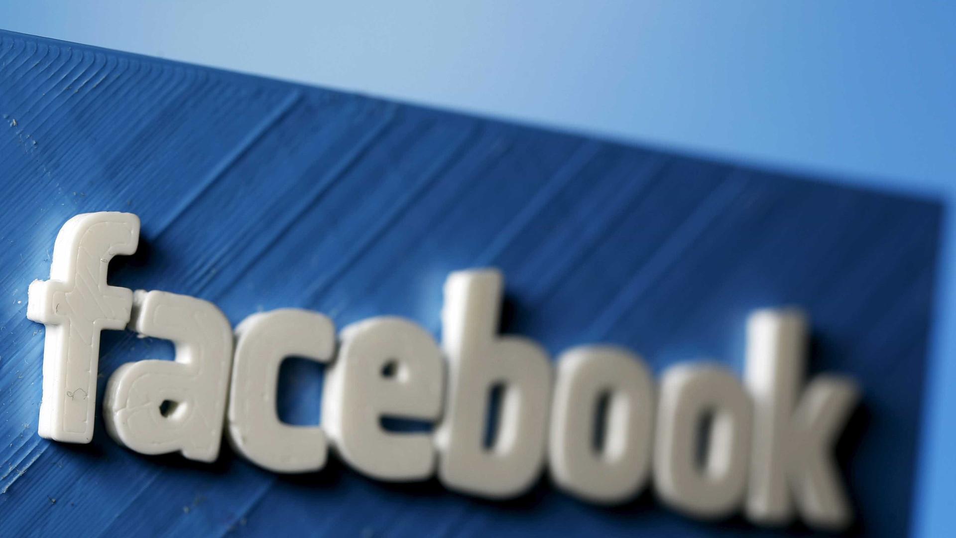 """Facebook """"escandalizado por ter sido enganado"""" pela Cambridge Analytica"""