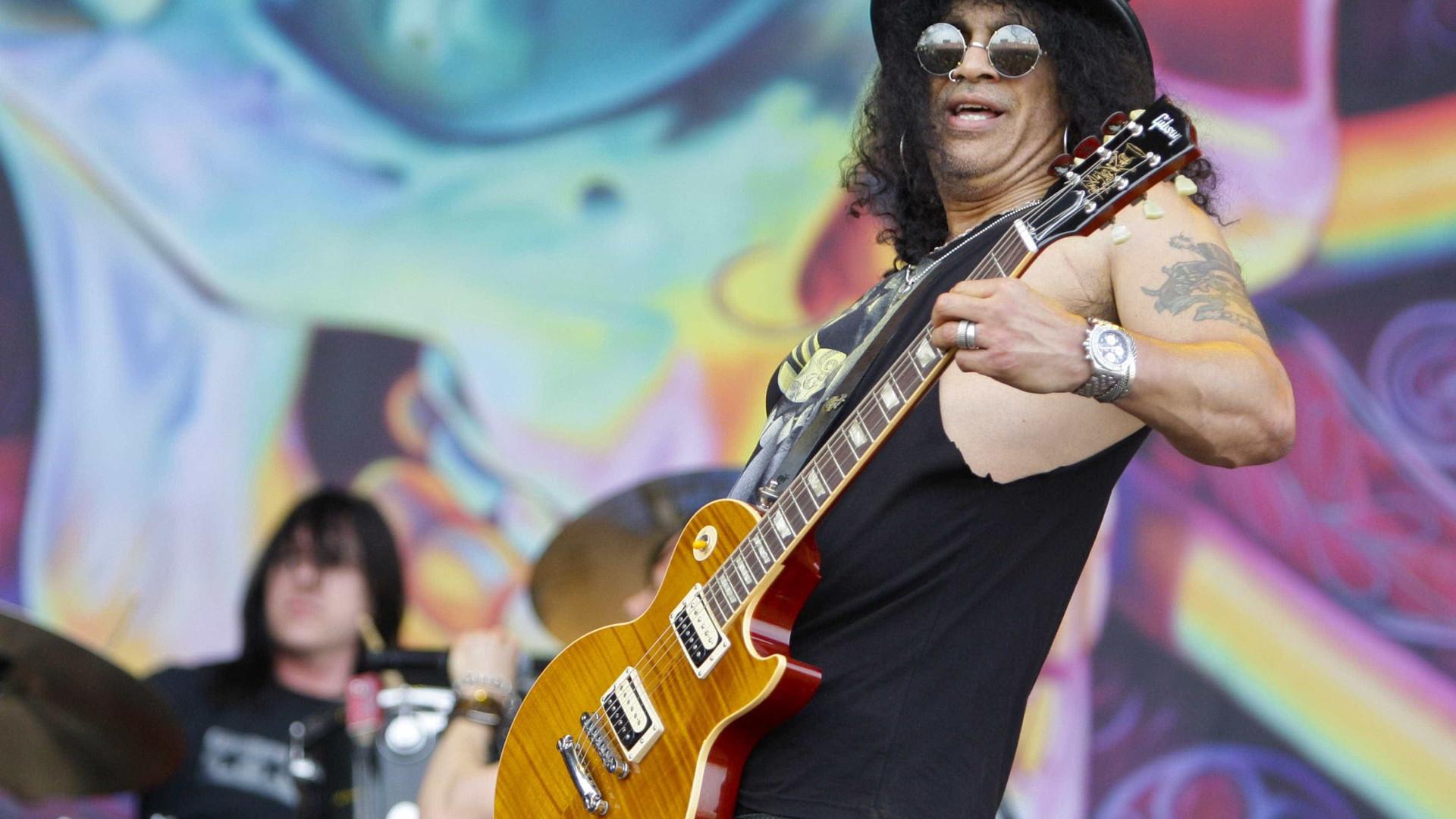 Slash quer impedir ex-mulher de assistir a concerto do filho
