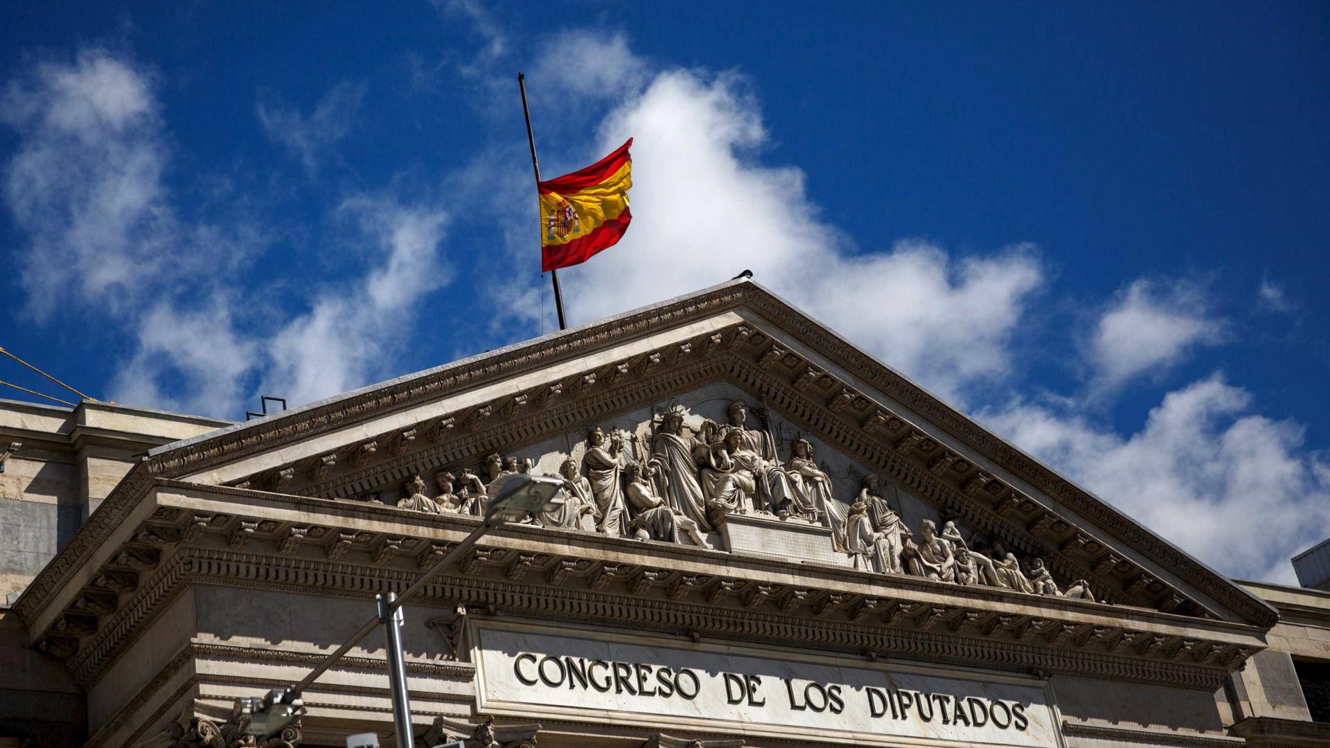 Socialistas em sintonia com Governo sobre ministros catalães detidos