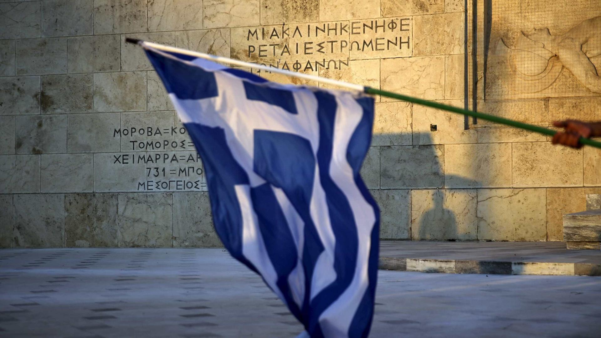 Manifestantes na Grécia entram em confronto com a polícia