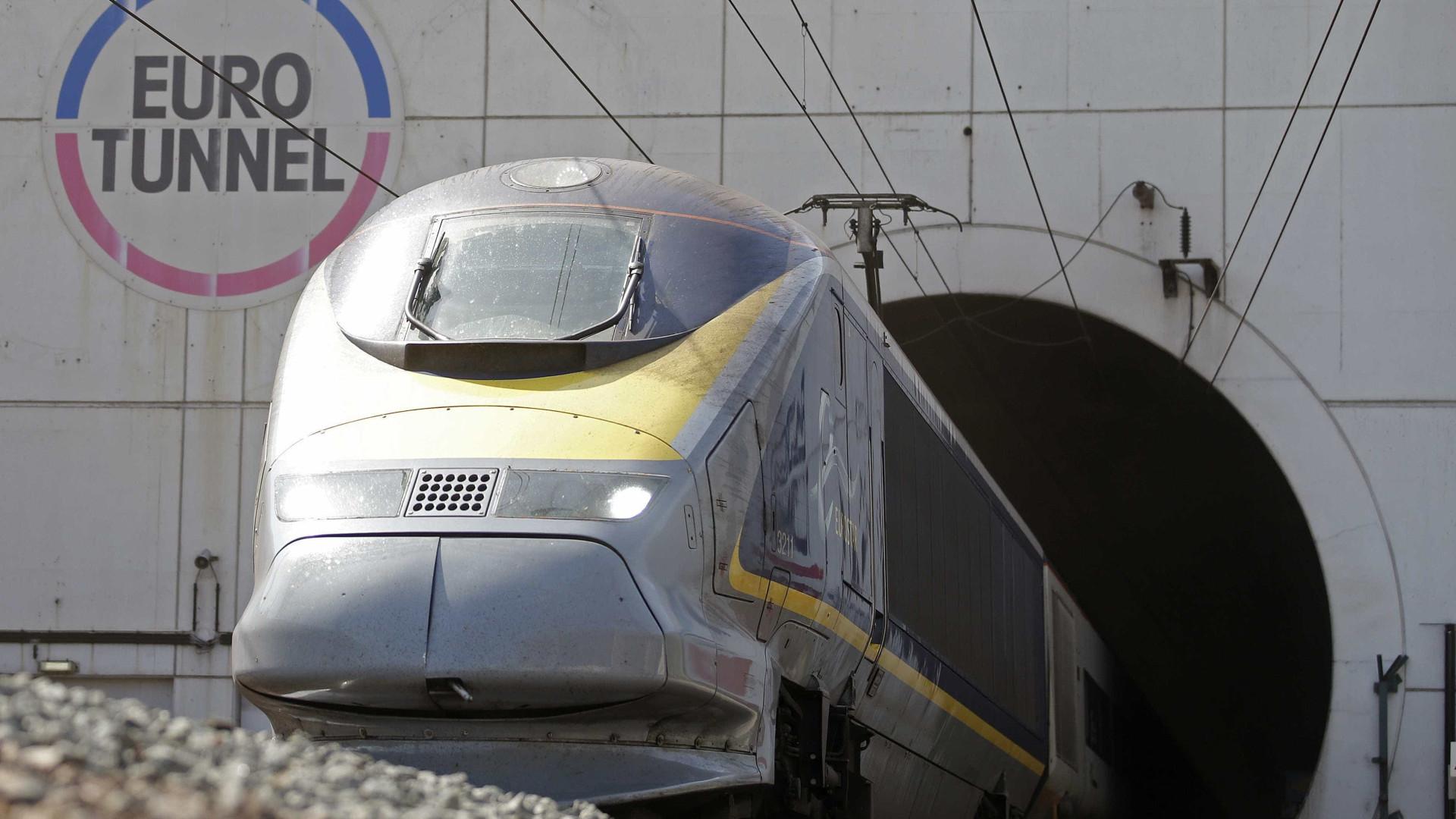 Falha elétrica no Eurotunnel suspende circulação de comboios