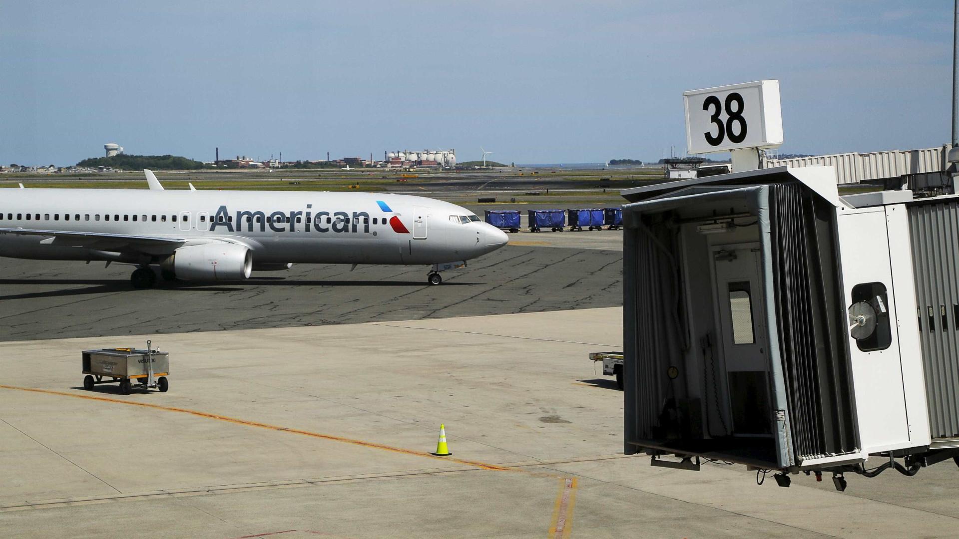 Feto morto encontrado em avião da American Airlines