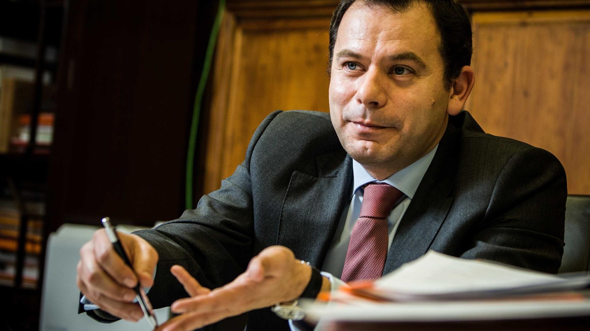 """""""Voto em Santana Lopes, não voto contra ninguém"""", anuncia Luís Montenegro"""