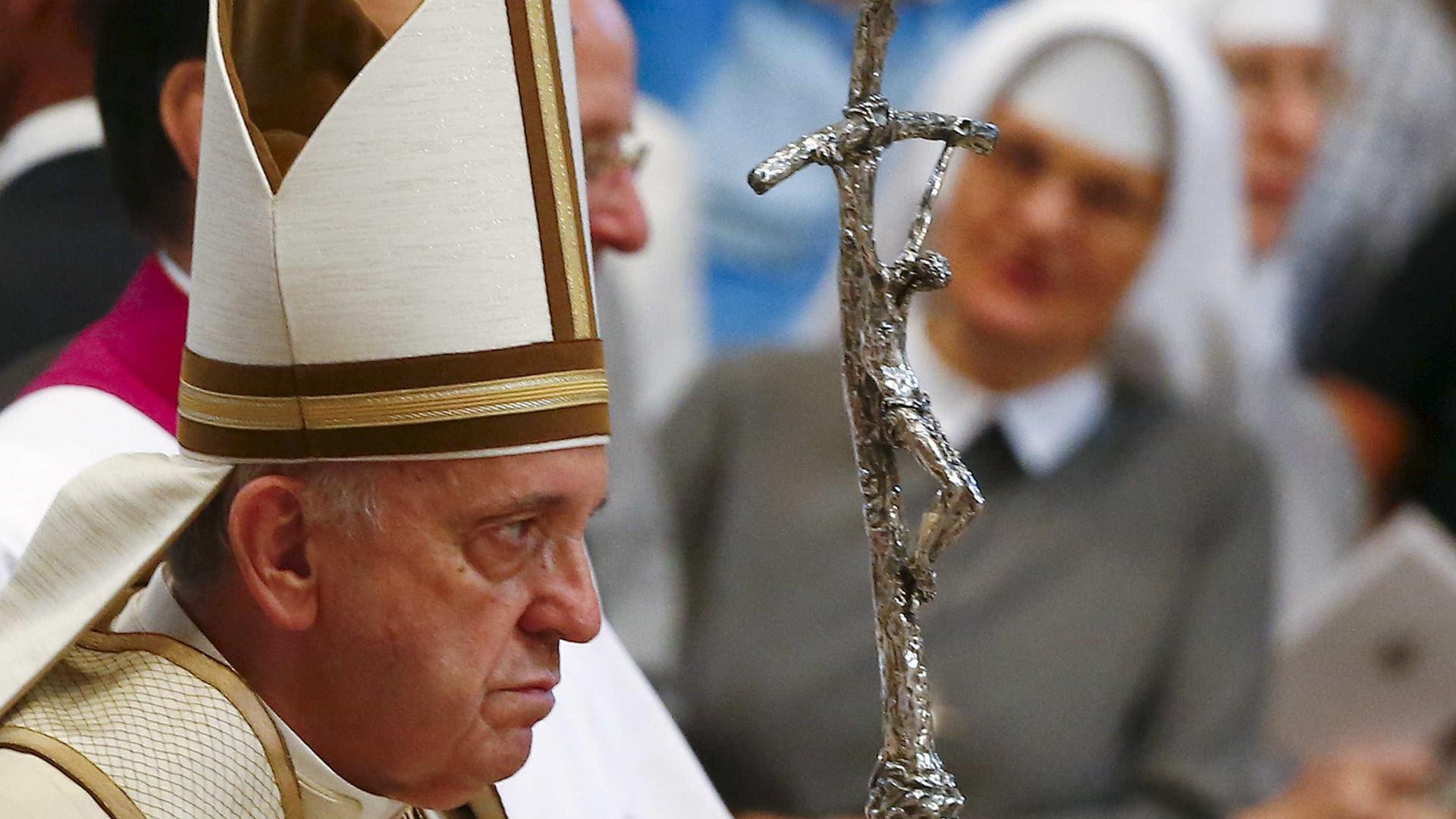 Promulgado diploma para contratação pública excecional na visita do Papa