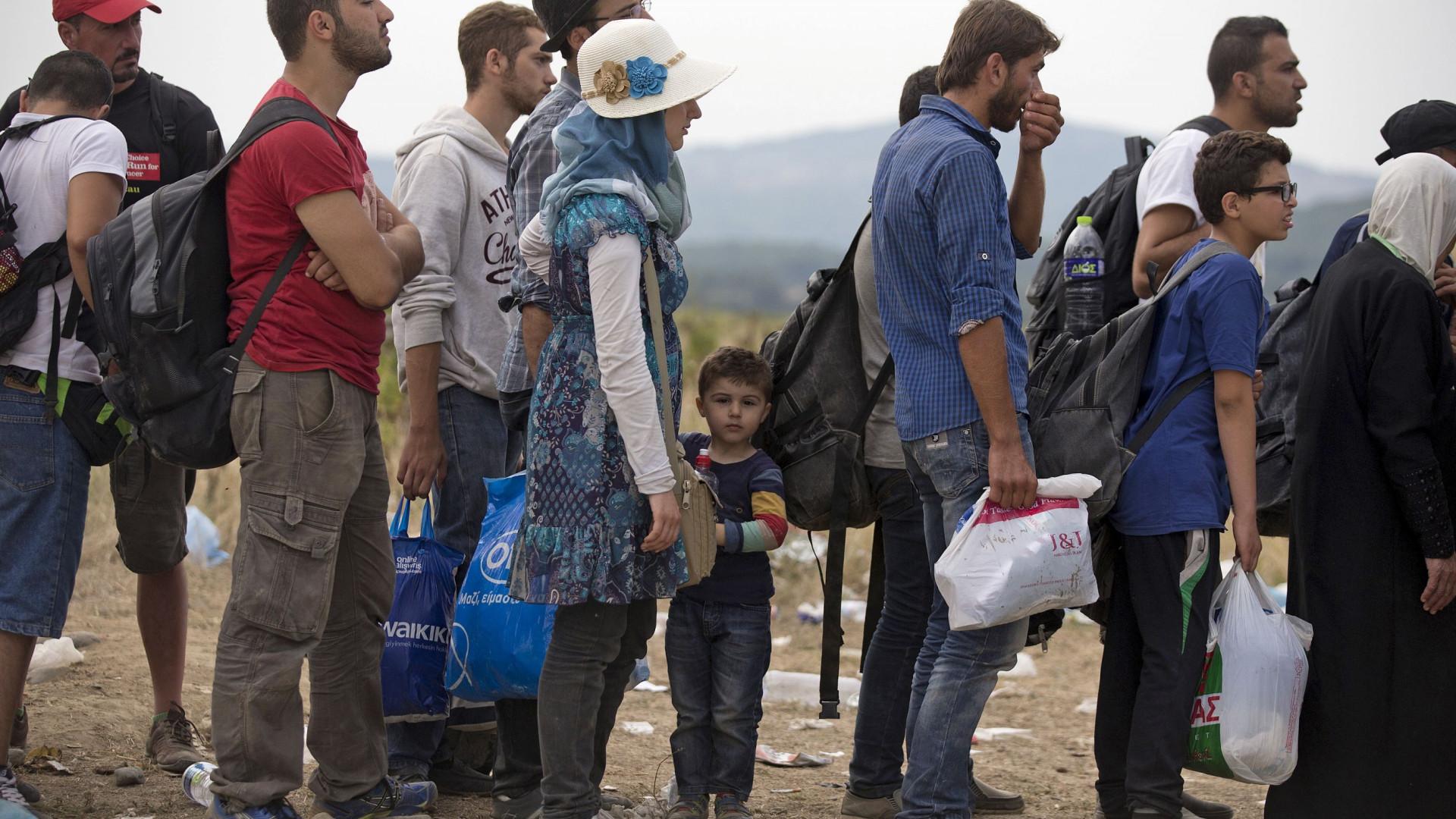 Hungria aprova lei que penaliza quem ajuda imigrantes