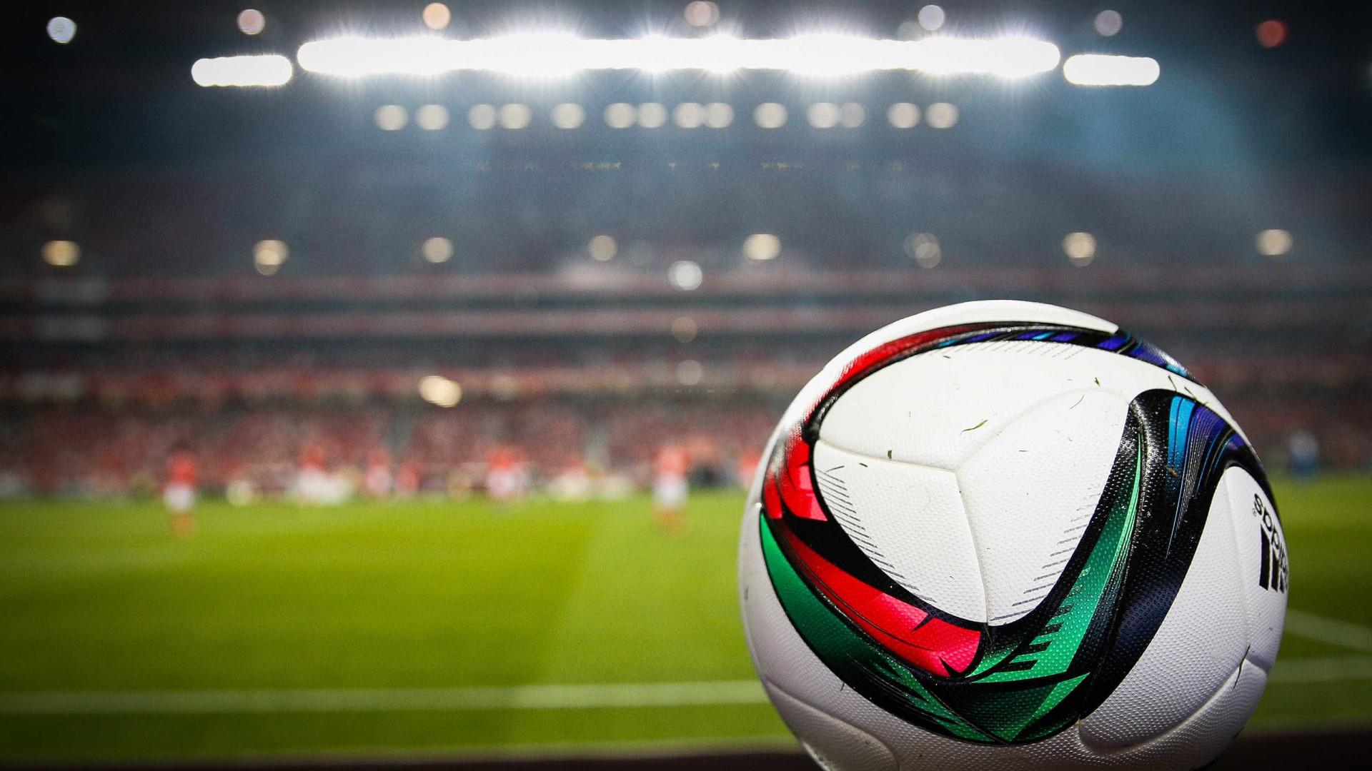 Associação de Futebol de Lisboa homenageia vítimas do Chapecoense