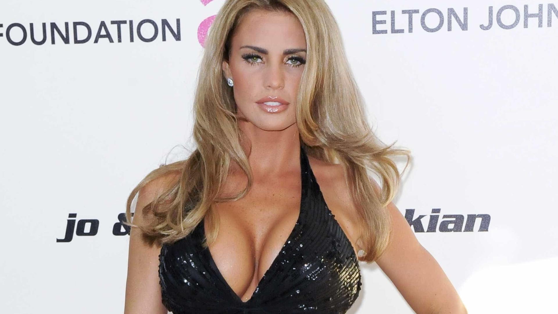 Katie Price quer ser  terapeuta  de beleza 32cd0bb61b