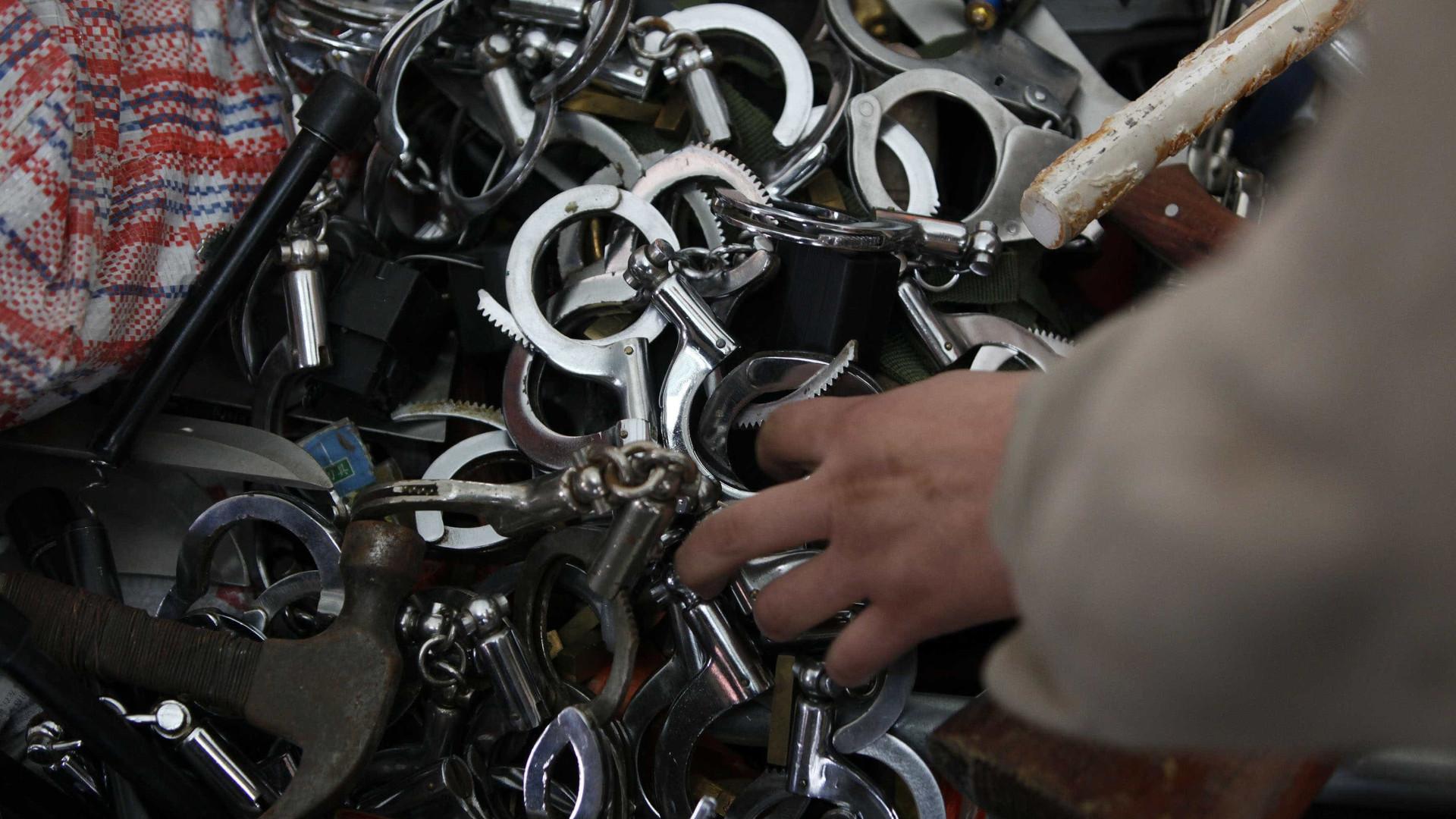 Polícia chinesa detém suspeitos de encarcerar apostadores na Birmânia