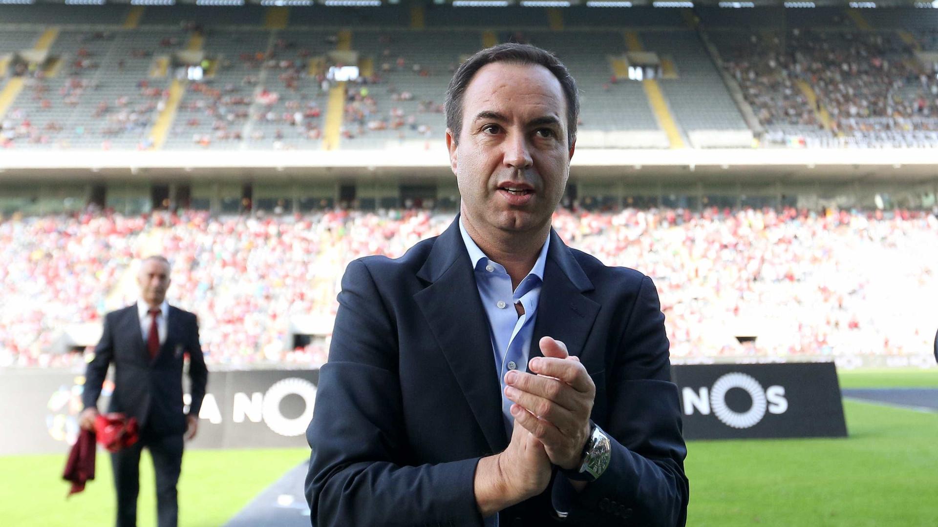 António Salvador denunciou por carta favores dos árbitros ao Sporting