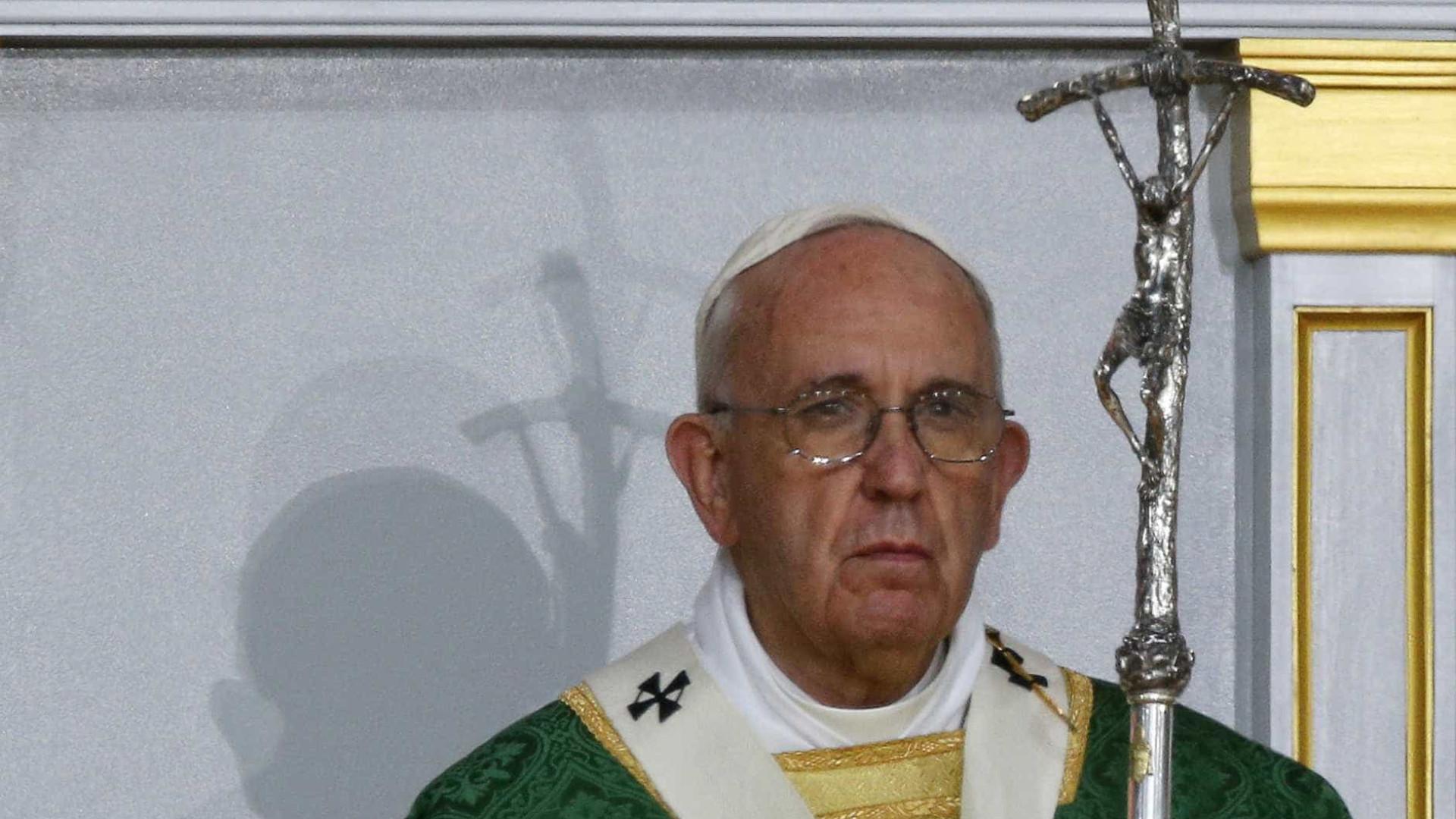 Papa envia condolências às vítimas do ataque ao liceu na Florida
