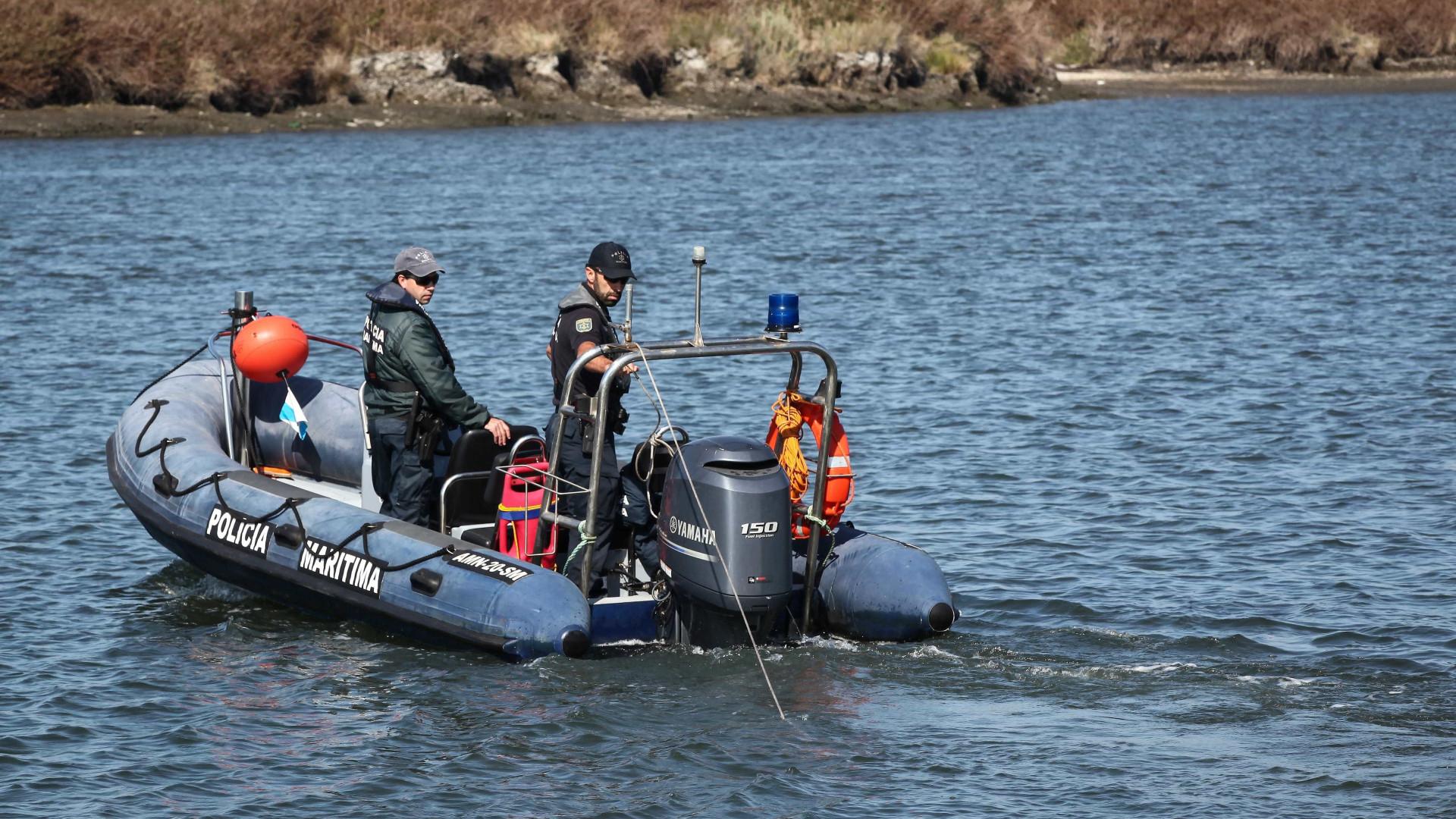 Mau tempo suspende até sábado buscas por pescador desaparecido nos Açores