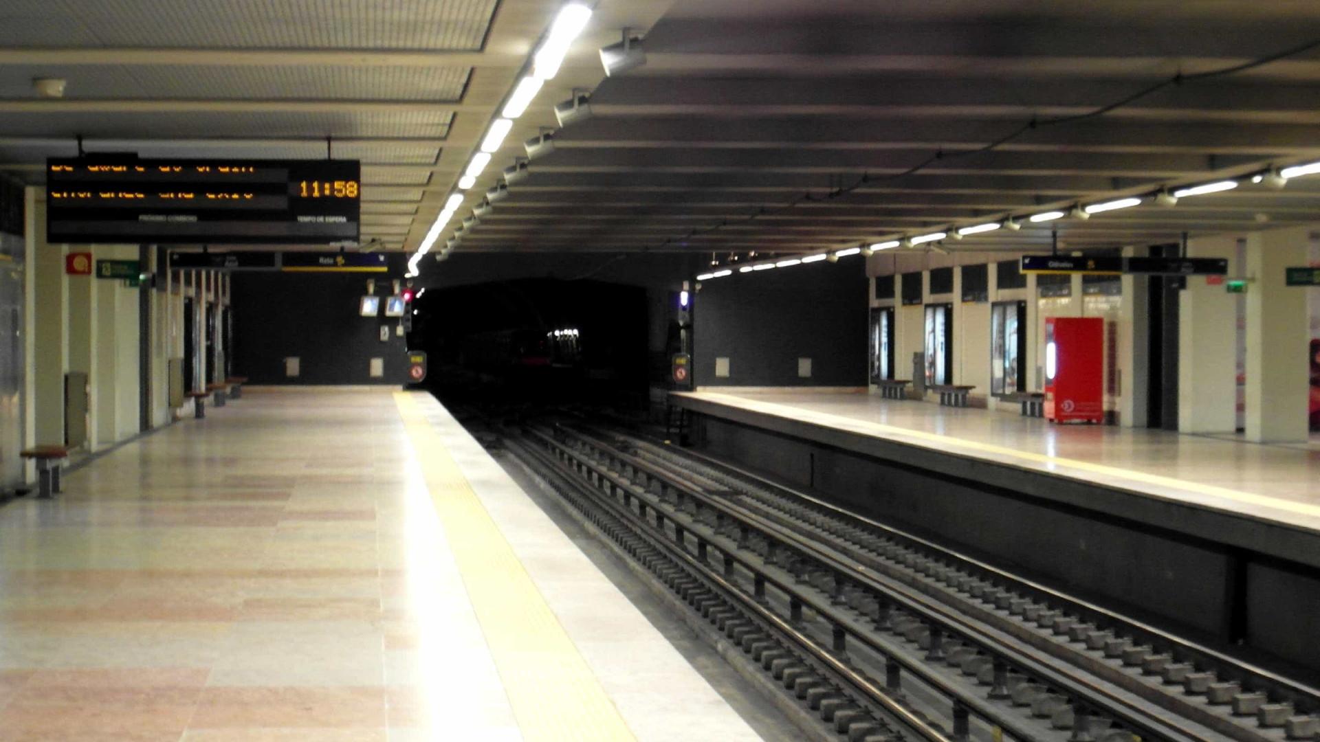 Utentes denunciam degradação do Metro de Lisboa. Exigem mais investimento