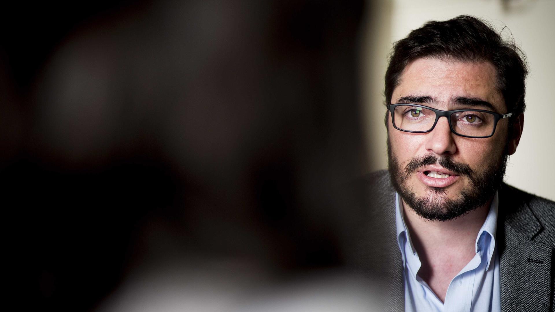 """PSD e CDS preferiam PCP calado, sem denunciar """"política de direita"""""""