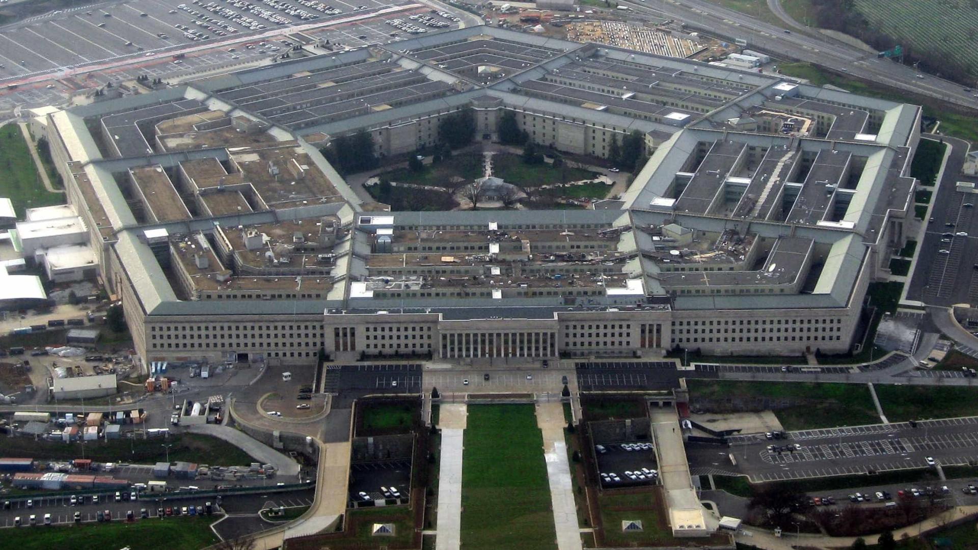 Pentágono nega ter ordens de Trump sobre opção militar na Venezuela