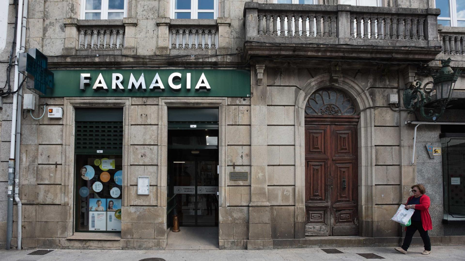 Pelo menos 327 farmácias ficam de serviço esta noite na zona centro