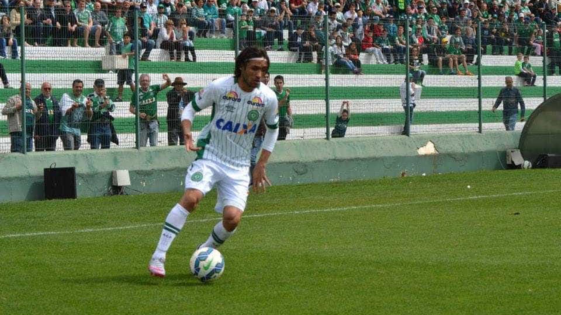 Clubes brasileiros juntam-se para que Chapecoense não desça de divisão