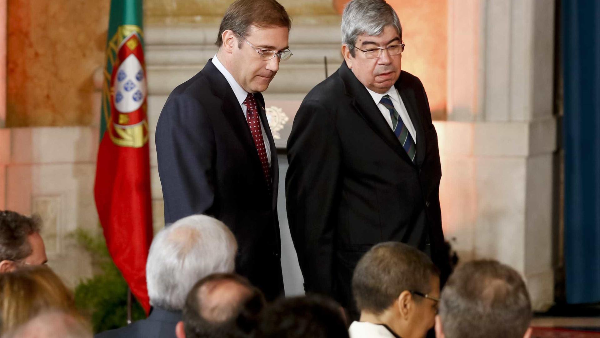 Ferro Rodrigues recebe Passos Coelho no dia do adeus ao Parlamento